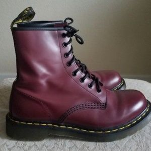 DOC MARTENS Womens Lace-Up Boots (Burgundy/Red)